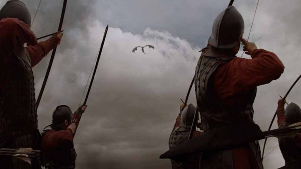 It will never stop bugging me that random archers get helmets but the commanders of armies don't. Dany's ride on Drogon, repeatedly established to be risky, didn't even merit a change of clothes on her part.