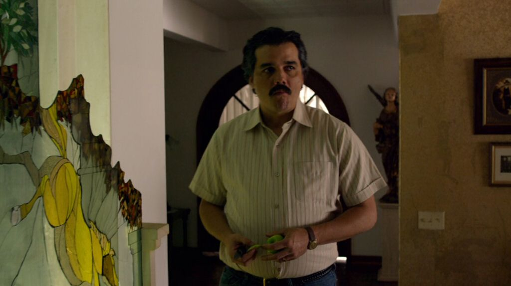 The amazing Wagner Moura played Pablo Escobar. He gained 40 pounds and learned Spanish for the role. I have to ask my Spanish-speaking readers: How is his accent?
