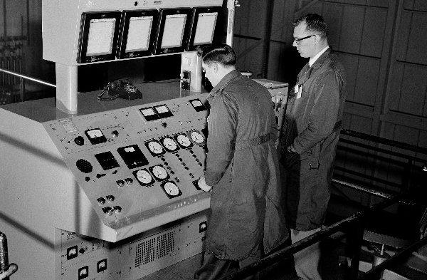 reactor_controls.jpg