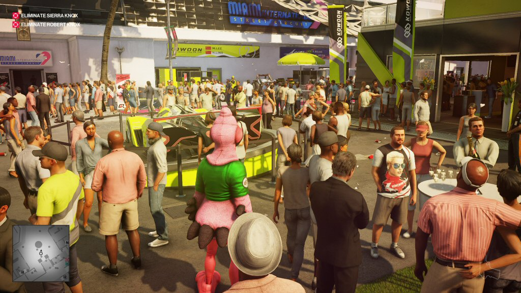 No other game does dense crowds like the Hitman franchise. The devs make it look so easy.