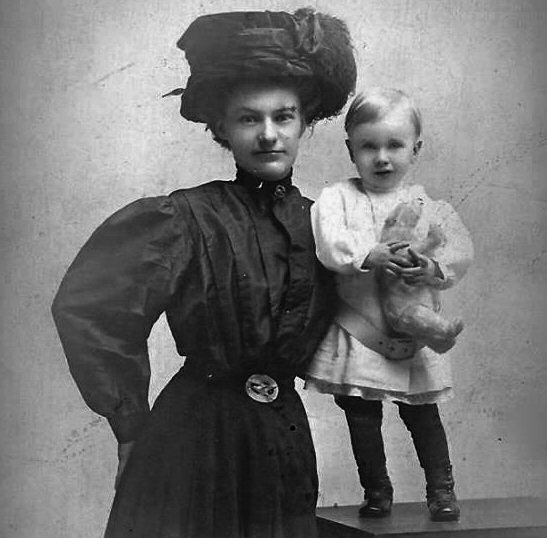 This was taken in 1914. I think hats like this are what inspired the invention of the automobile tire. They might also have inspired not wearing hats anymore.